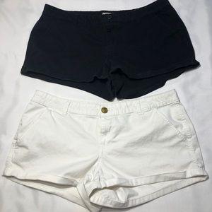2 pairs of SO juniors shorts.